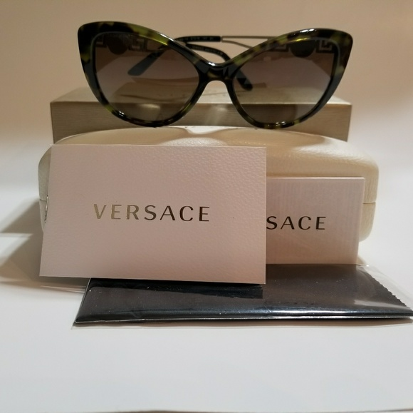 aa3b8f36acd VERSACE Cat Eye Green Tortoise Gold Metal Medusa